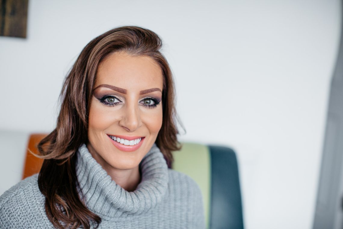 Professional Teeth Whitening vs. Beauty Salon Whitening